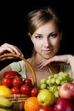 όμορφα λαχανικά κοριτσιών καρπού Στοκ εικόνες με δικαίωμα ελεύθερης χρήσης