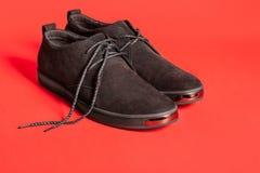 Όμορφα μαύρα παπούτσια σουέτ Στοκ Εικόνες