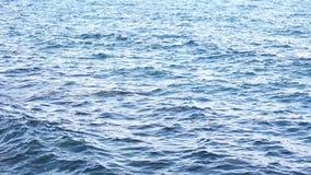 Όμορφα μπλε κύματα θάλασσας φιλμ μικρού μήκους