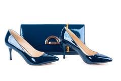 Όμορφα μπλε παπούτσια με τους συμπλέκτες στο απομονωμένο υπόβαθρο Στοκ Εικόνες