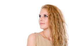 Όμορφα νέα ευτυχή blondes, που απομονώνονται πέρα από την άσπρη ανασκόπηση στοκ εικόνες