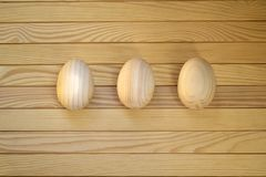 Όμορφα ξύλινα αυγά Πάσχας Στοκ Φωτογραφία