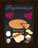 Όμορφα πίτα και συστατικά σμέουρων Στοκ Εικόνες