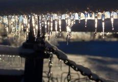 Όμορφα παγάκια μετά από μια ακραία θύελλα πάγου. Στοκ Εικόνες