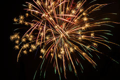 Όμορφα πολύχρωμα πυροτεχνήματα Στοκ Εικόνες