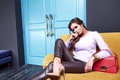 Όμορφα προκλητικά ενδύματα μόδας συλλογής φθινοπώρου γυναικείας άνοιξης για Στοκ εικόνα με δικαίωμα ελεύθερης χρήσης