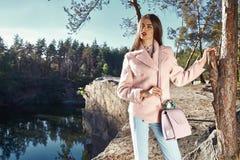 Όμορφα προκλητικά γυναικών glamor μοντέρνα ενδύματα ένδυσης μόδας πρότυπα Στοκ εικόνα με δικαίωμα ελεύθερης χρήσης