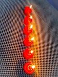 Όμορφα ρομαντικά κεριά σχεδίου για το γεύμα Στοκ φωτογραφία με δικαίωμα ελεύθερης χρήσης