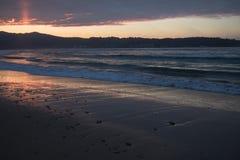 Όμορφα σπάζοντας κύματα στην αμμώδη παραλία στον Ατλαντικό Ωκεανό, hendaye, βασκική χώρα, Γαλλία Στοκ Εικόνες