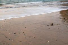 Όμορφα σπάζοντας κύματα στην αμμώδη παραλία στον Ατλαντικό Ωκεανό, hendaye, βασκική χώρα, Γαλλία Στοκ Φωτογραφίες