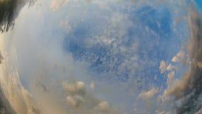 Όμορφα σύννεφα Fisheye Timelapse φιλμ μικρού μήκους