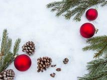 Όμορφα σύνορα διακοσμήσεων Χριστουγέννων με το αντίγραφο-διάστημα Στοκ Εικόνες