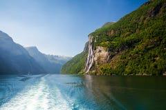 Όμορφα φιορδ της Νορβηγίας Στοκ φωτογραφία με δικαίωμα ελεύθερης χρήσης