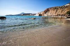 Όμορφα φυσικά χρώματα της παραλίας Firiplaka, Μήλος, Ελλάδα Στοκ φωτογραφία με δικαίωμα ελεύθερης χρήσης