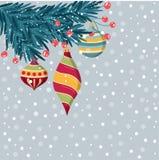 Όμορφα Χριστούγεννα catd με τους κλάδους και τα μπιχλιμπίδια έλατου ελεύθερη απεικόνιση δικαιώματος