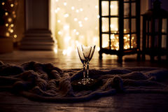 Όμορφα δύο ποτήρια της σαμπάνιας Στοκ εικόνα με δικαίωμα ελεύθερης χρήσης