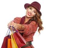Όμορφες αγορές γυναικών και φθινοπώρου στοκ εικόνες