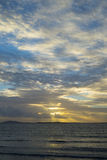 Όμορφες ακτίνες ηλιοβασιλέματος από τη beal παραλία Στοκ φωτογραφίες με δικαίωμα ελεύθερης χρήσης