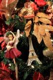 Όμορφες διακοσμήσεις διακοπών στο δέντρο έλατου Χριστουγέννων Στοκ φωτογραφία με δικαίωμα ελεύθερης χρήσης