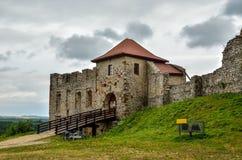Όμορφες καταστροφές κάστρων στο λόφο Στοκ εικόνες με δικαίωμα ελεύθερης χρήσης