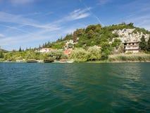 Όμορφες λίμνες Bacina στη Δαλματία, Κροατία - προορισμός διακοπών στοκ εικόνες