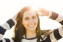 όμορφες λατινικές νεολαίες γυναικών Στοκ φωτογραφία με δικαίωμα ελεύθερης χρήσης
