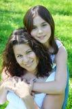 Όμορφες μητέρα και κόρη στοκ φωτογραφίες με δικαίωμα ελεύθερης χρήσης
