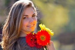 όμορφες νεολαίες γυναικών πορτρέτου Στοκ Εικόνα