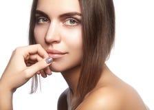 όμορφες νεολαίες γυναι Skincare, wellness, SPA Το καθαρό μαλακό δέρμα, υγιής φρέσκος κοιτάζει Φυσικός καθημερινός makeup στοκ εικόνες