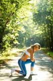 όμορφες νεολαίες δρομέ&omega Στοκ Φωτογραφίες