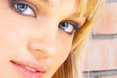 όμορφες νεολαίες κοριτσιών Στοκ Φωτογραφία
