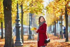 όμορφες νεολαίες πάρκων &ka Στοκ φωτογραφίες με δικαίωμα ελεύθερης χρήσης