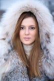 όμορφες νεολαίες χειμ&epsilon Στοκ εικόνες με δικαίωμα ελεύθερης χρήσης