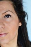 όμορφες νεολαίες γυναικών μπλε ματιών στοκ εικόνα με δικαίωμα ελεύθερης χρήσης
