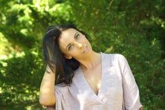 όμορφες νεολαίες γυναικών πορτρέτου Στοκ εικόνα με δικαίωμα ελεύθερης χρήσης