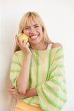 όμορφες νεολαίες λευκών γυναικών Στοκ εικόνες με δικαίωμα ελεύθερης χρήσης