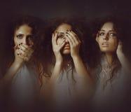 όμορφες νεολαίες κοριτσιών η έννοια ακούει νέος να μην δει να μιλήσει Στοκ εικόνα με δικαίωμα ελεύθερης χρήσης