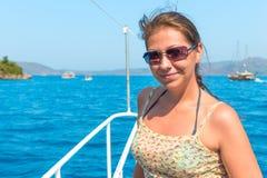 όμορφες νεολαίες brunette Στοκ Εικόνες