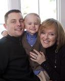 όμορφες οικογενειακές νεολαίες Στοκ φωτογραφίες με δικαίωμα ελεύθερης χρήσης