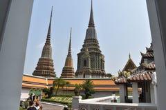 Όμορφες παγόδες Wat Pho, ένας από διασημότερο στην Ταϊλάνδη στοκ εικόνες