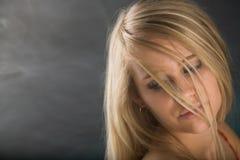 όμορφες πρότυπες νεολαί&ep Στοκ εικόνες με δικαίωμα ελεύθερης χρήσης