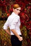 όμορφες πρότυπες νεολαί&eps Στοκ φωτογραφία με δικαίωμα ελεύθερης χρήσης