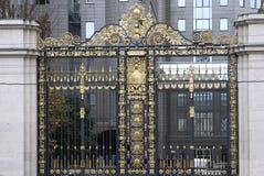 όμορφες πύλες goldem στοκ εικόνα με δικαίωμα ελεύθερης χρήσης