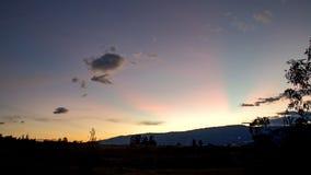 Όμορφες ρόδινες ακτίνες του φωτός στοκ φωτογραφία με δικαίωμα ελεύθερης χρήσης