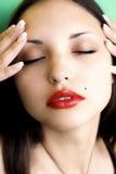 όμορφες τυφλά brunettewoman νεολαί&epsilo στοκ φωτογραφίες με δικαίωμα ελεύθερης χρήσης