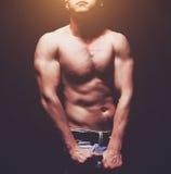 όμορφες muscleman νεολαίες Στοκ φωτογραφίες με δικαίωμα ελεύθερης χρήσης