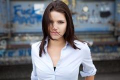 όμορφη άκρη brunette Στοκ εικόνα με δικαίωμα ελεύθερης χρήσης
