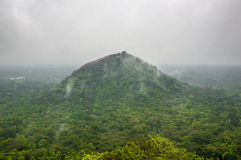 Όμορφη άποψη από το βράχο λιονταριών Sigiriya, Σρι Λάνκα Στοκ φωτογραφία με δικαίωμα ελεύθερης χρήσης