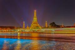 Όμορφη άποψη εικονικής παράστασης πόλης του ναού Wat Arun Rajwararam με το ligh Στοκ φωτογραφίες με δικαίωμα ελεύθερης χρήσης