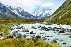 Όμορφη άποψη κατά τη διάρκεια του περιπάτου στον παγετώνα στο εθνικό πάρκο Cook υποστηριγμάτων Στοκ Φωτογραφίες